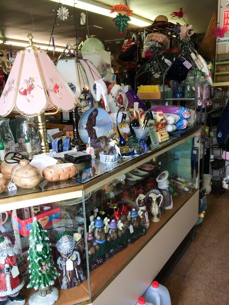 Diana's Gift Shop: 6177 Youngstown-Hubbard Rd, Hubbard, OH
