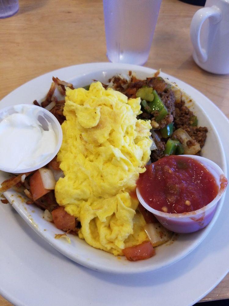 Chippewa Family Restaurant: 1701 Kennedy Rd, Chippewa Falls, WI
