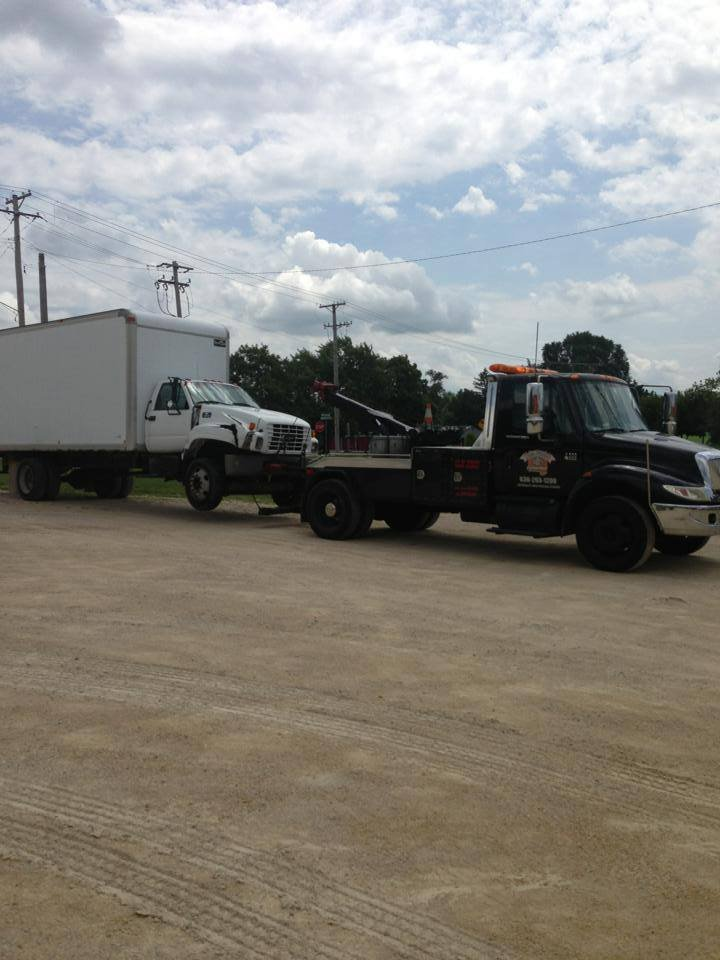 Towing business in West Chicago, IL