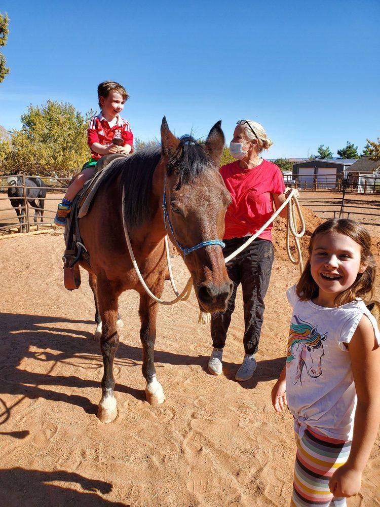 Happy Horse Hotel: 1371 S Heaton Dr, Kanab, UT