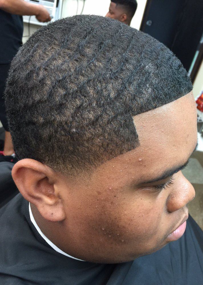 Paid 2 Fade: 2404 29th St, Zion, IL