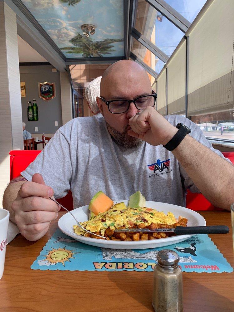 Proino Breakfast Club: 14400 Walsingham Rd, Largo, FL