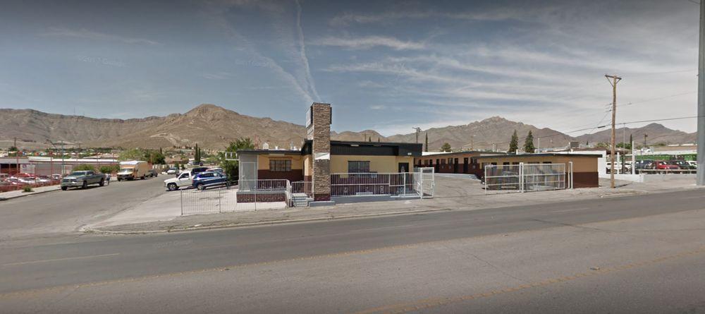 Modern Thai Kitchen To Go: 6001 Dyer St, El Paso, TX