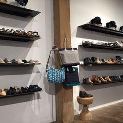 624fdadc4638 Edie s - CLOSED - 10 Reviews - Shoe Stores - 500 E Pike St