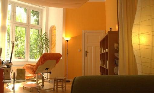 kosmetikstudio sch ngesund cosm ticos y productos de belleza wiesbadener str 85 sch neberg. Black Bedroom Furniture Sets. Home Design Ideas
