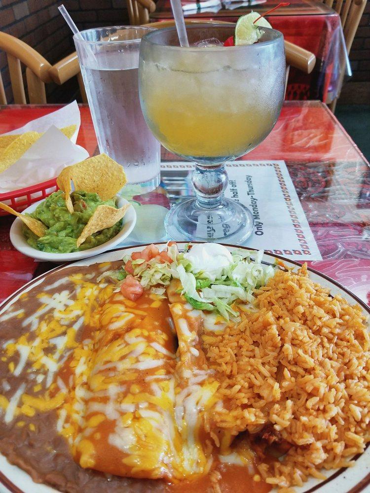 El Tequila: 1010 Highway 3 S, Northfield, MN