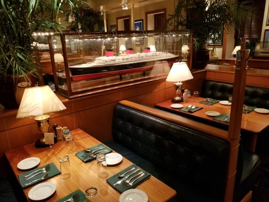 Clyde S Of Chevy Chase 334 Photos 431 Reviews American