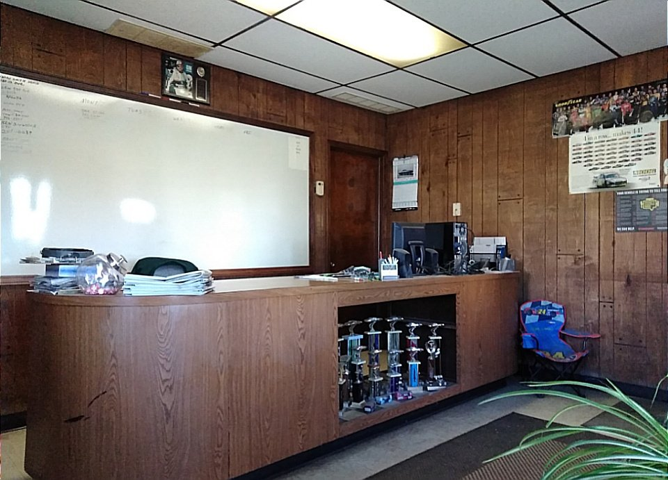 A To Z High Street Discount Auto Repair: 1000 High St, Fairport Harbor, OH
