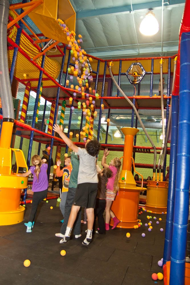 Kids World Family Fun Center: 618 Lindero Canyon Rd, Oak Park, CA