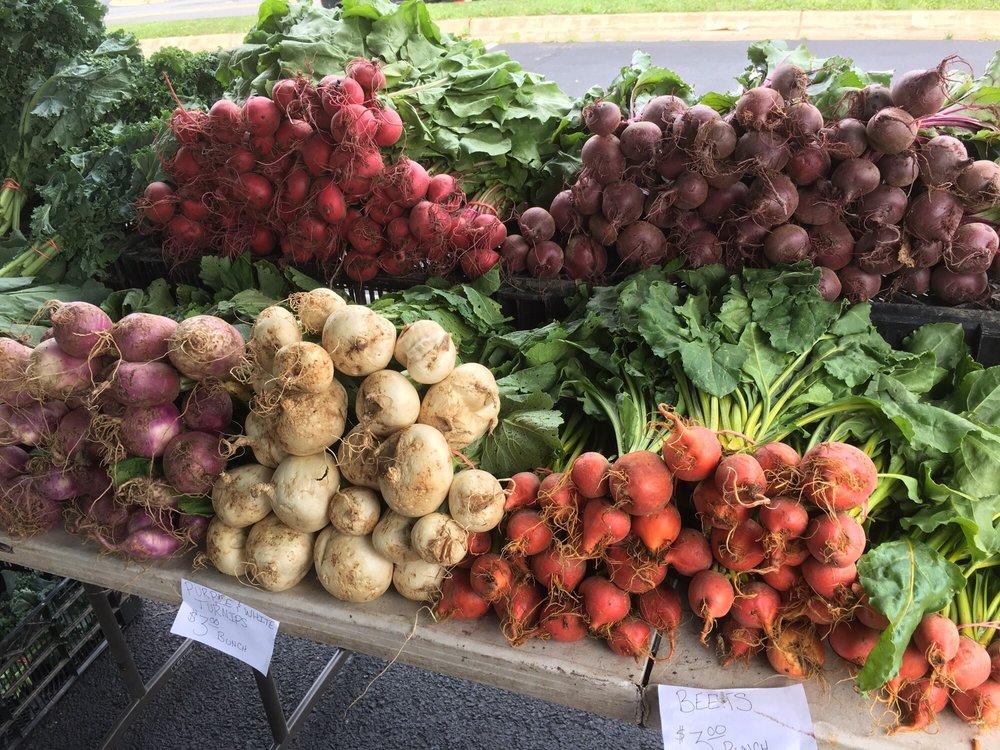 Cascades Farmers Market: 21060 Whitfield Pl, Sterling, VA