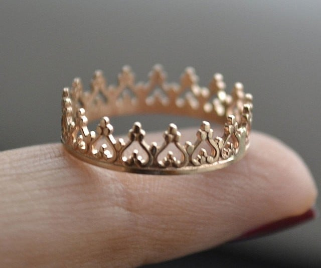 this beautiful 14 kt white and yellow gold crown ring is