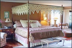 The Vagabond Inn: 3300 Sliter Hill Rd, Naples, NY