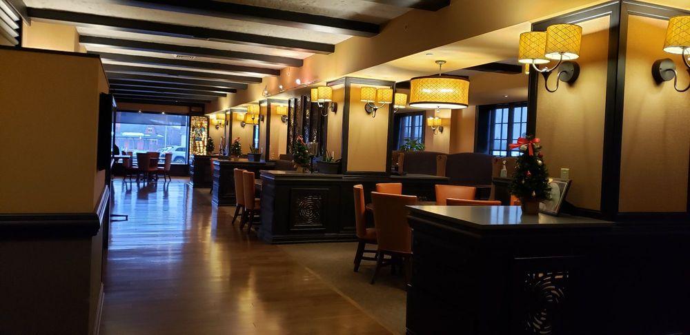 Hotel Julien: 200 Main St, Dubuque, IA