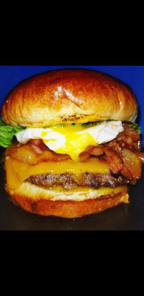 Burger Bomb: Arlington, VA