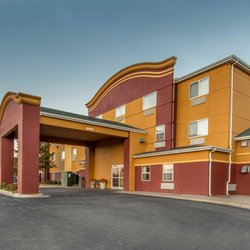 Photo Of Econo Lodge Inn Suites Tahlequah Ok United States