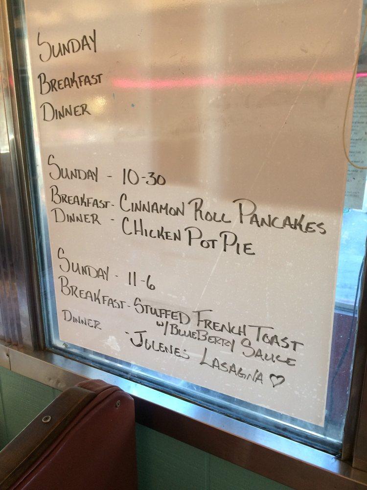 Yakkitty Yak Diner: 2014 River Rd, North Apollo, PA