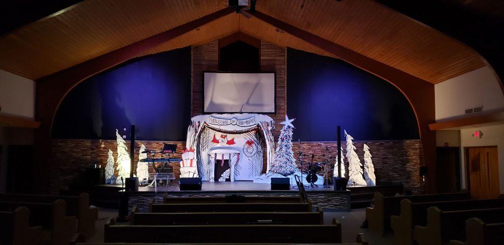 Family Christian Church: 4424 8th St, Ecorse, MI