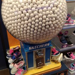 skechers shoes yorkdale