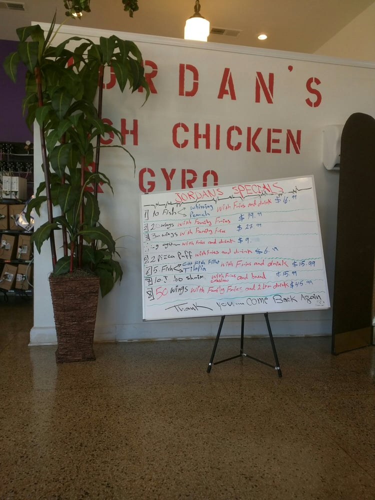Jordan s fish chicken gyros 14 photos chicken wings for Jordans fish and chicken near me