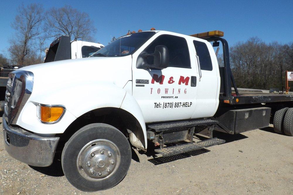 M & M Wrecker Service: 1619 Highway 67 N, Prescott, AR