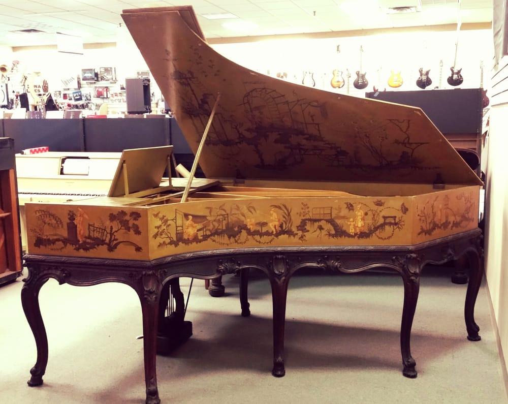 Hilton Piano Center: 442 Colonie Ctr, Albany, NY