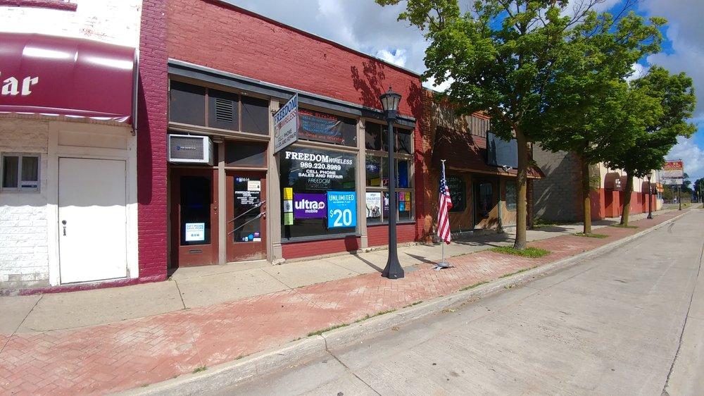 Freedom Wireless: 1614 Broadway St, Bay City, MI