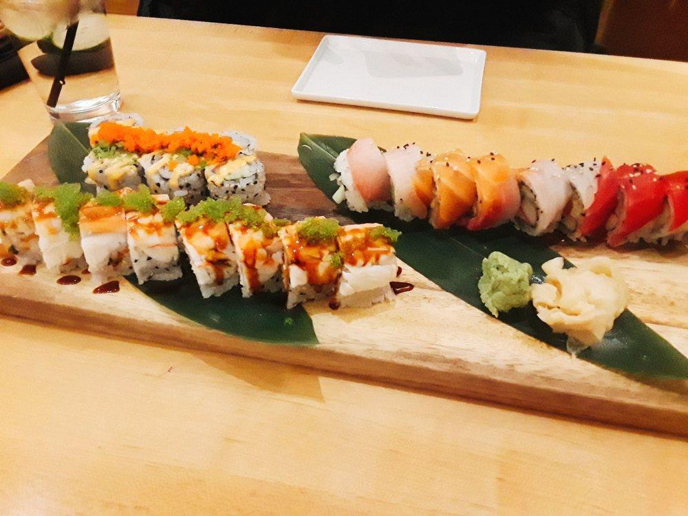 Sen Sushi Bar: 814 S Oak Park Ave, Oak Park, IL