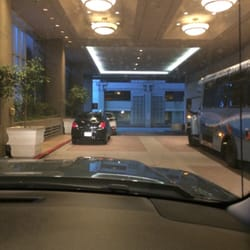 Hilton los angeles airport parking 78 reviews parking for Lax parking closest to airport