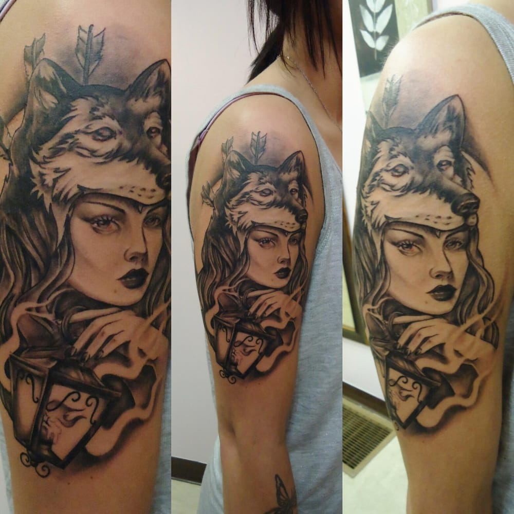 Wolf Woman Tattoo By Sergey Shanko: Mom's Piercing And Tattoos