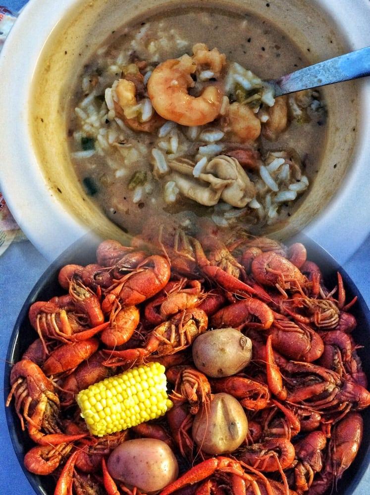 Crazy CaJun Restaurant: 6300 Shreveport Hwy, Pineville, LA