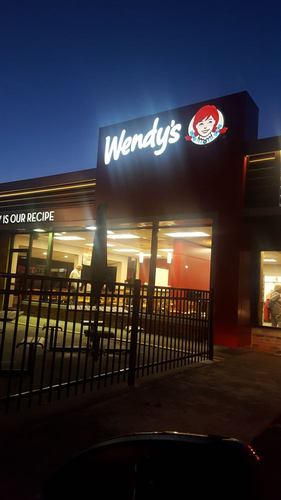 Wendy's: 700 S Main St, Bellefontaine, OH