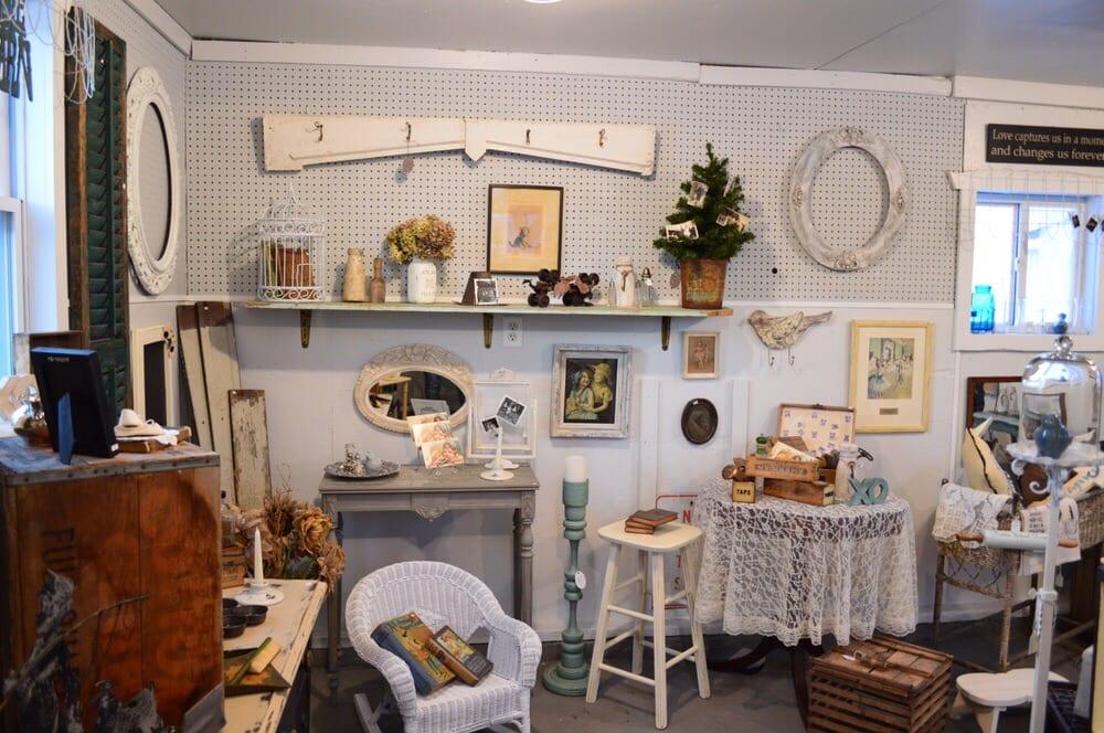 The Vintage Barn: 5875 Labo Rd, South Rockwood, MI