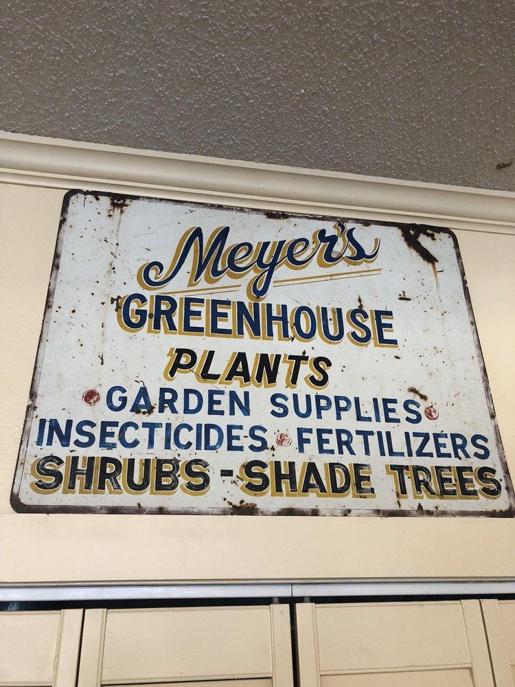 Meyer's Greenhouse & Nursery: 1471 W Saint Louis St, Nashville, IL