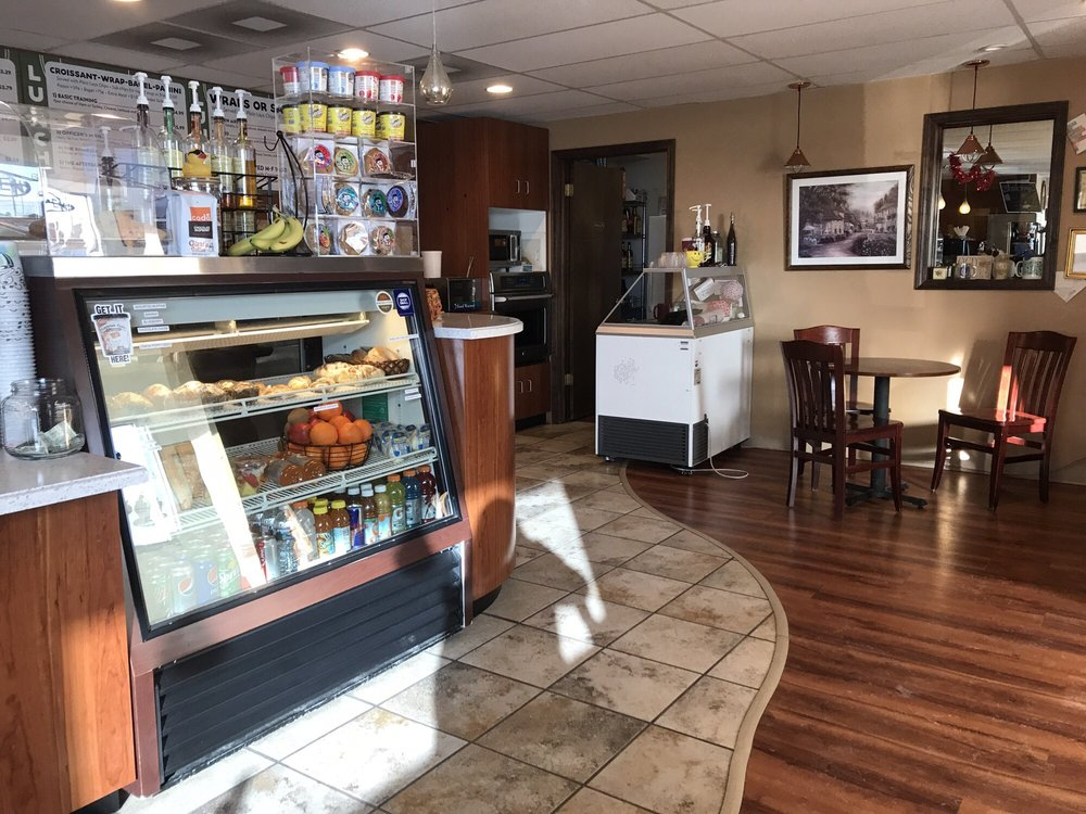 Gizzi's Coffee: 234 Main Gate Rd, Box Elder, SD