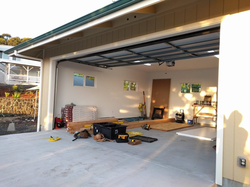 Big Island Home and Garage: 15-951 Punawai St, Pāhoa, HI