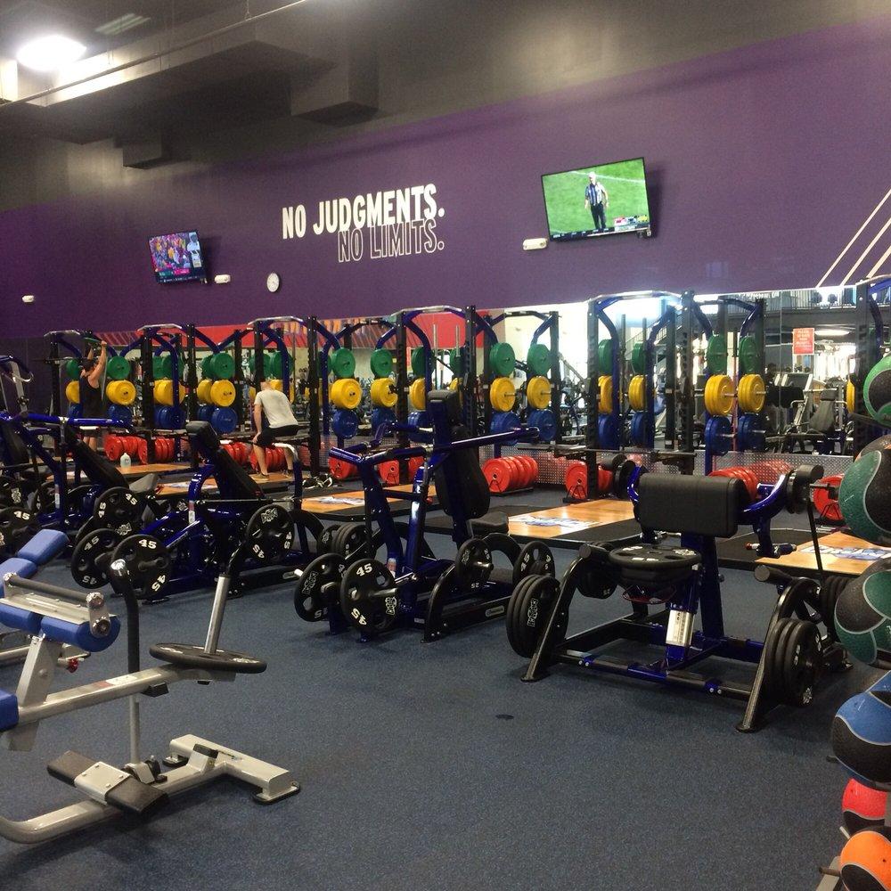 Crunch Fitness: 4400 Hoffner Ave, Orlando, FL