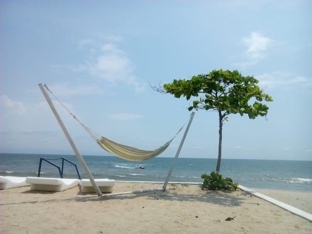 Hamaca en zona de playa yelp - Hamacas de playa ...