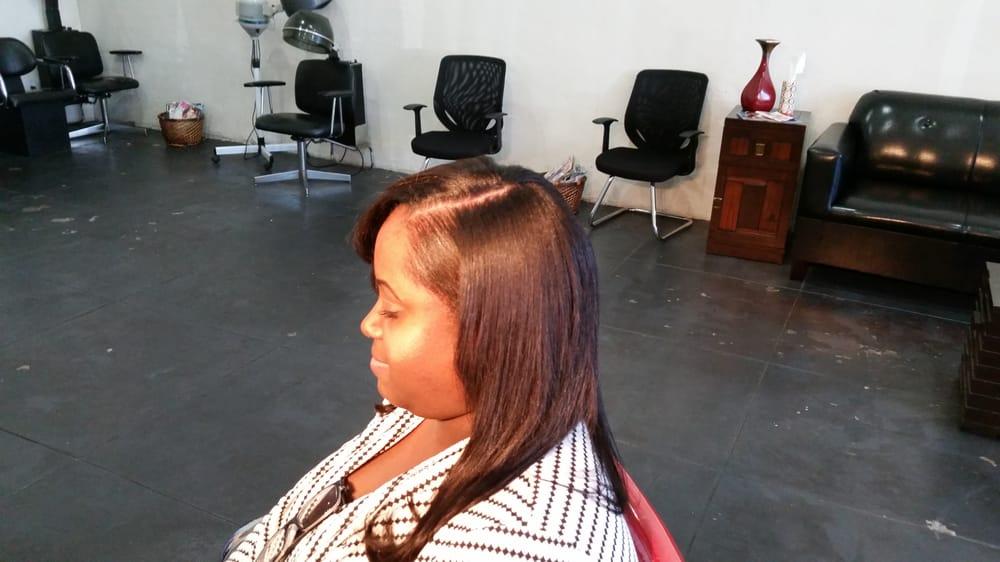 Silhouette Hair Studio: 906 E Altadena Dr, Altadena, CA