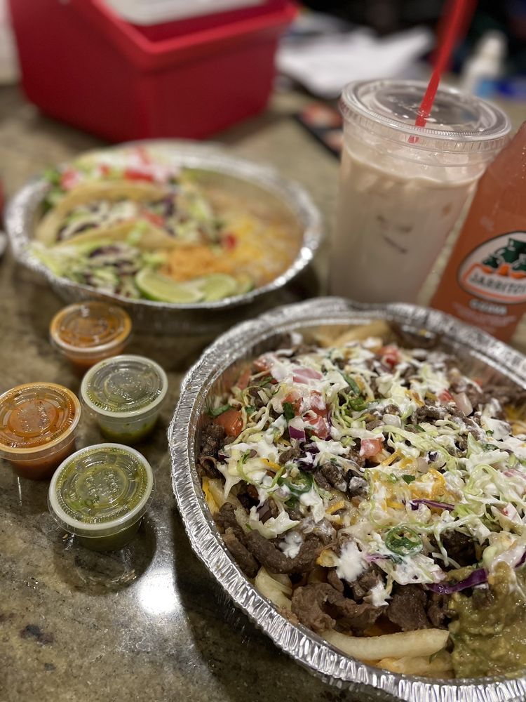 Laz's Tacos: 25 NW Gilman Blvd, Issaquah, WA
