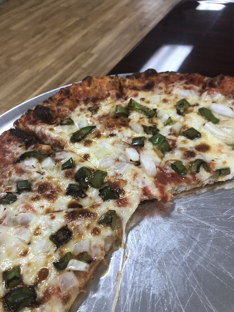 Gianni's Pizza & Wings: 15712 McMullen Hwy SW, Cumberland, MD
