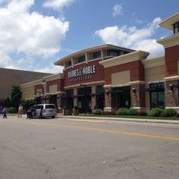 Find Restaurants Near Hamilton Place Mall