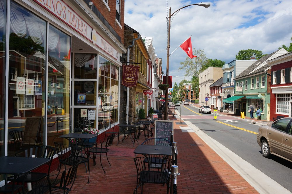 Leesburg Colonial Inn: 19 S King St, Leesburg, VA