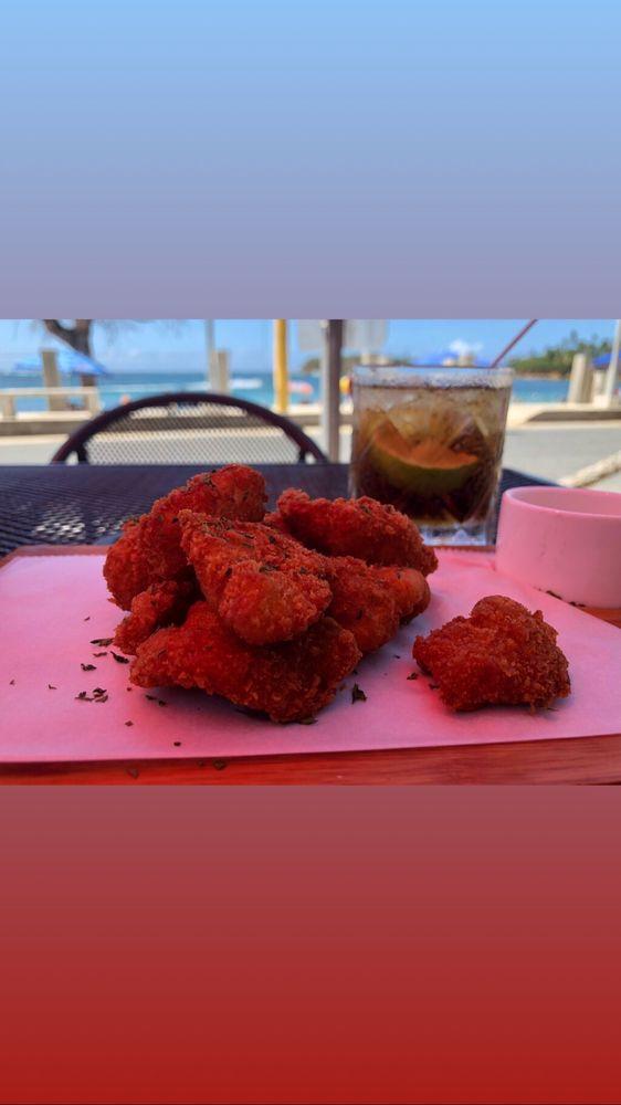 Sol Y Mar Restaurant: Calle Principal S/N, Dorado, PR