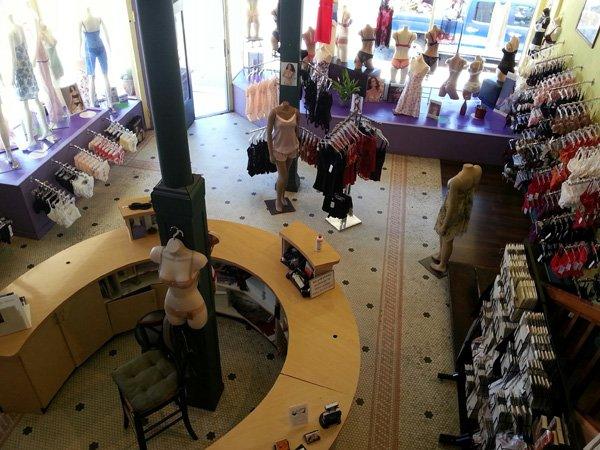 Les Cent Culottes: 2200 Polk St, San Francisco, CA