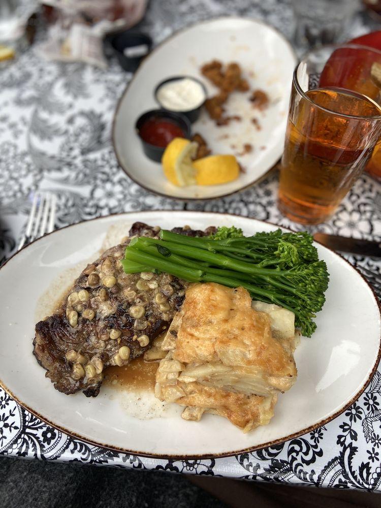 Linn's Restaurant: 2277 Main St, Cambria, CA