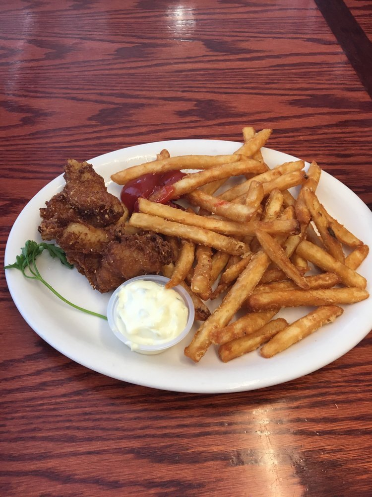 Nancy's Airport Cafe: 353 County Rd G, Willows, CA