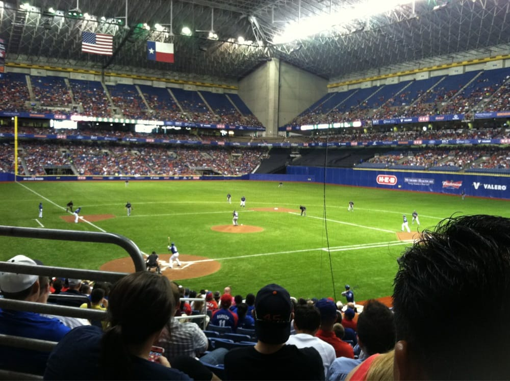 Baseball At The Alamodome Rangers Vs Padres Exhibition