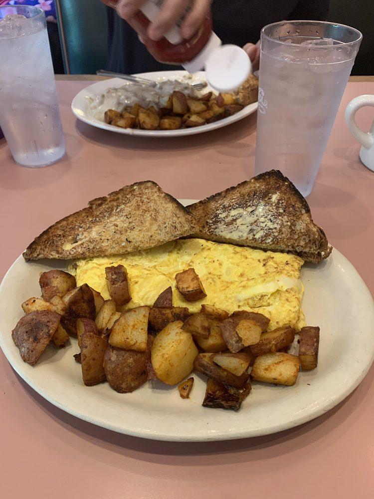 Riverside Restaurant: 244 River St, Springfield, VT