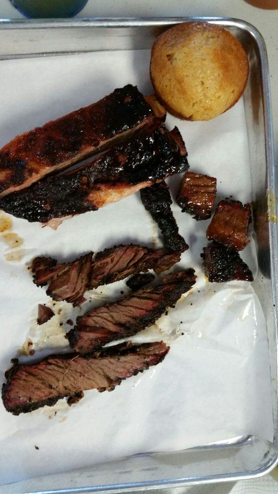 Smoking Pig BBQ: 1144 N 4th St, San Jose, CA