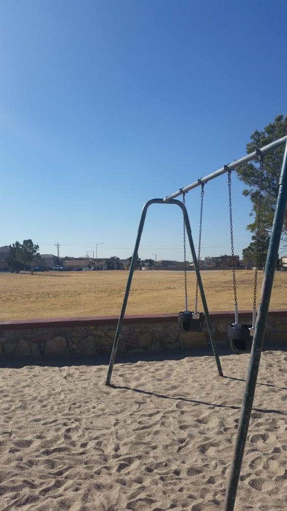 Carlos Bombach Park: Nina Pearl Dr, El Paso, TX